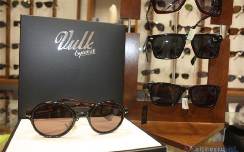 6acadc8b87 Más allá de elegir un modelo, desde las ópticas recomiendan priorizar la  protección que ofrecen las gafas de sol.