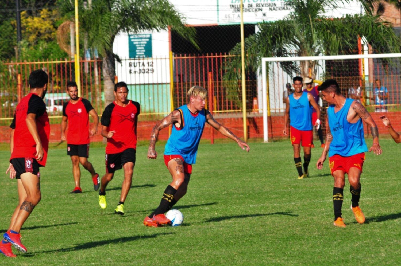 <p>Reynaga. El juvenil delantero rosarino volvió a ingresar y a convertir para Boca Unidos.</p>