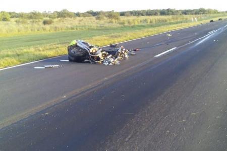 <p>Destruida. El estado en que quedó la motocicleta de la víctima.</p>