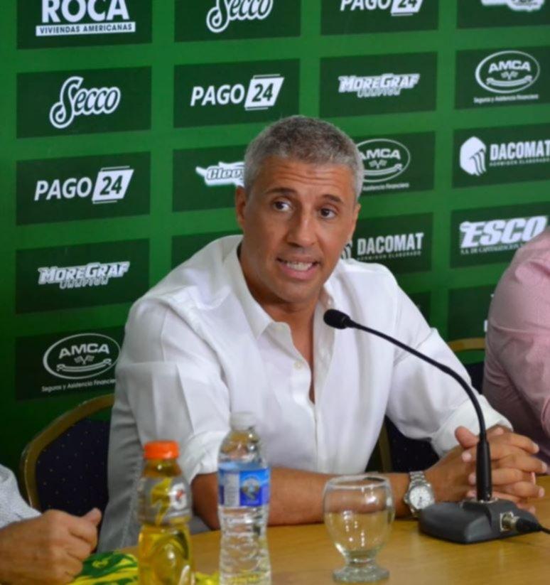 <p>Hernán Crespo. El DT dirigirá al Halcón en la Libertadores.</p>