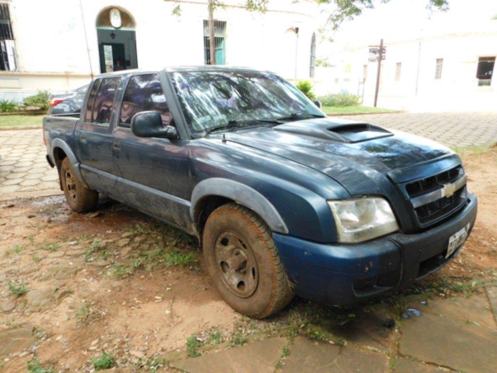 <p>Rescate. Cuando lograron sacar el vehículo, su conductor ya había muerto.</p>
