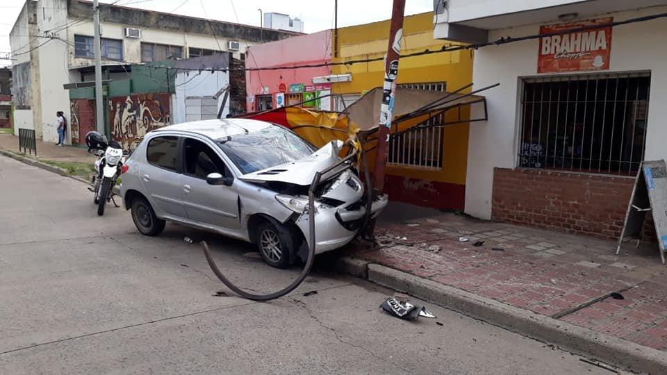 <p>Ileso. El automovilista no sufri&oacute; heridas.</p>
