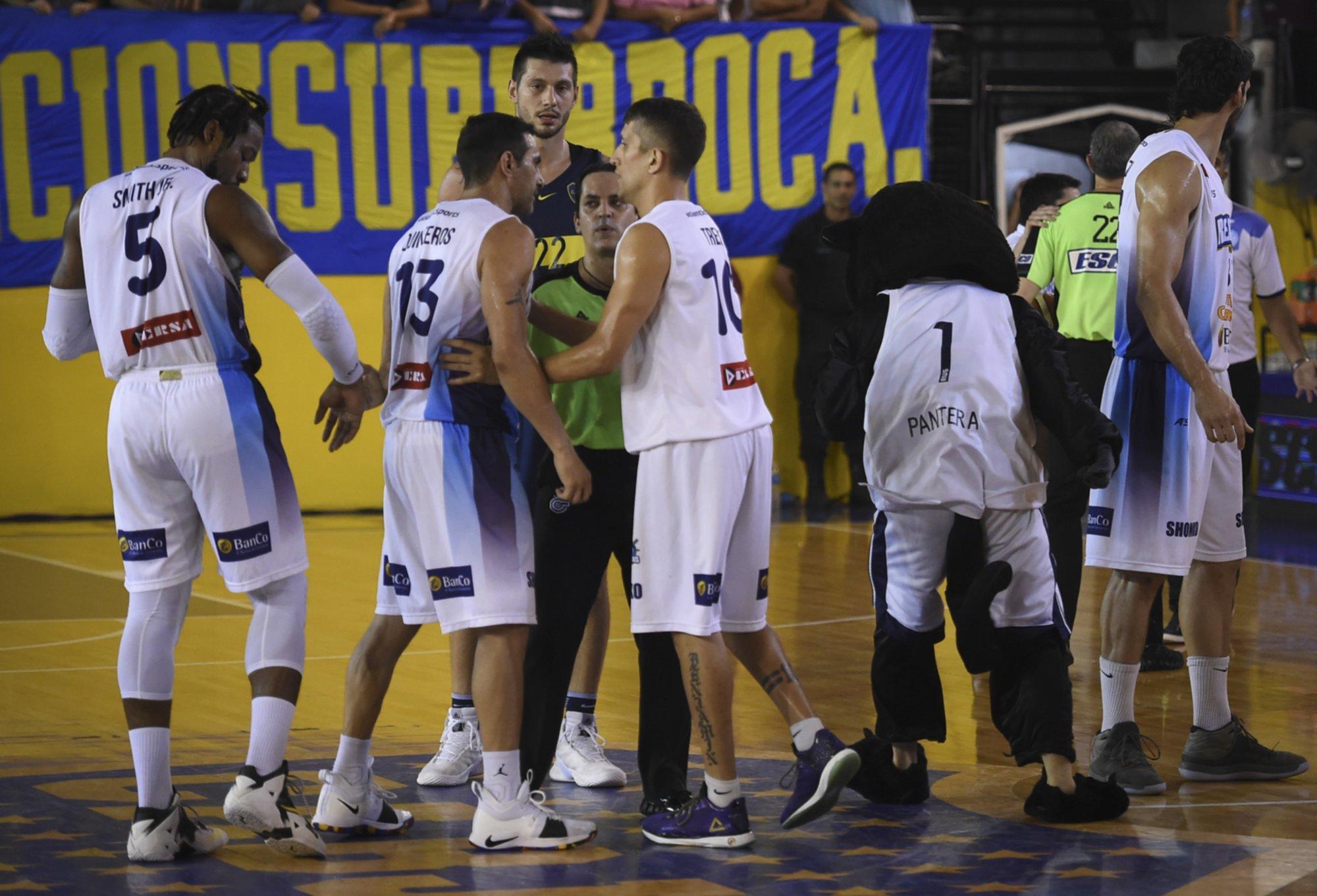 <p>Discutido. El final del cotejo entre Boca y Regatas termin&oacute; con sanciones arbitrales cuestionadas por el plantel Fantasma.</p>