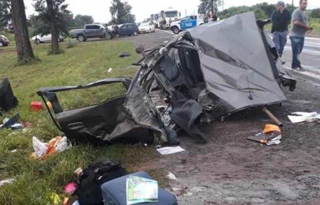 Dos muertos por choque entre un auto y una ambulancia