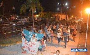 Nutrida manifestación contra el relleno sanitario en San  Luis del Palmar