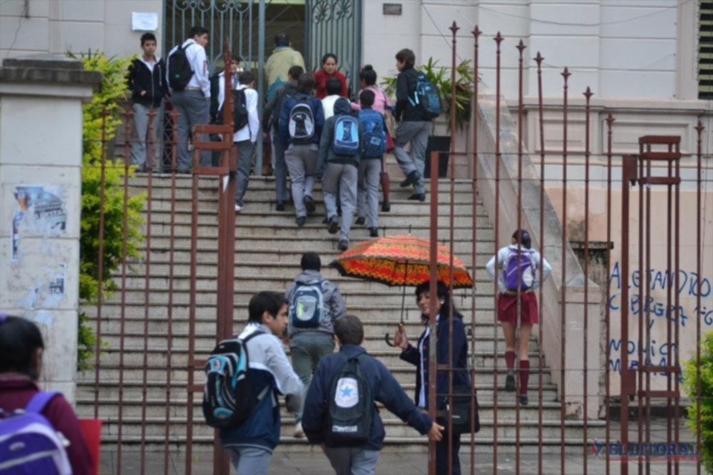 DISPAR. El primer día del paro se sintió con mayor intensidad en el interior y en algunas escuelas de Capital.