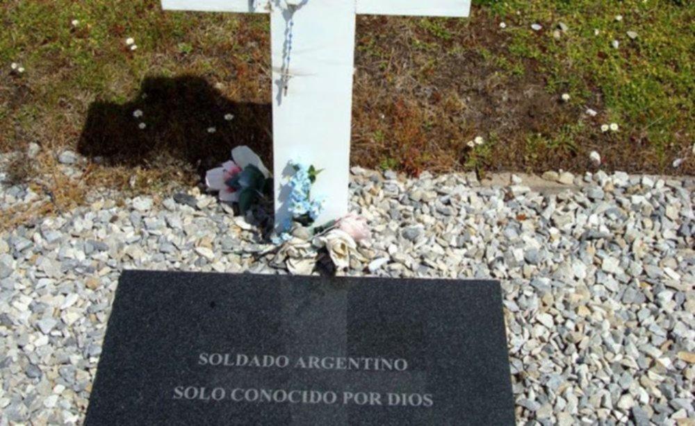 En Malvinas son cada vez menos las tumbas sin nombre. Gran trabajo para la recuperación de la identidad de los soldados.