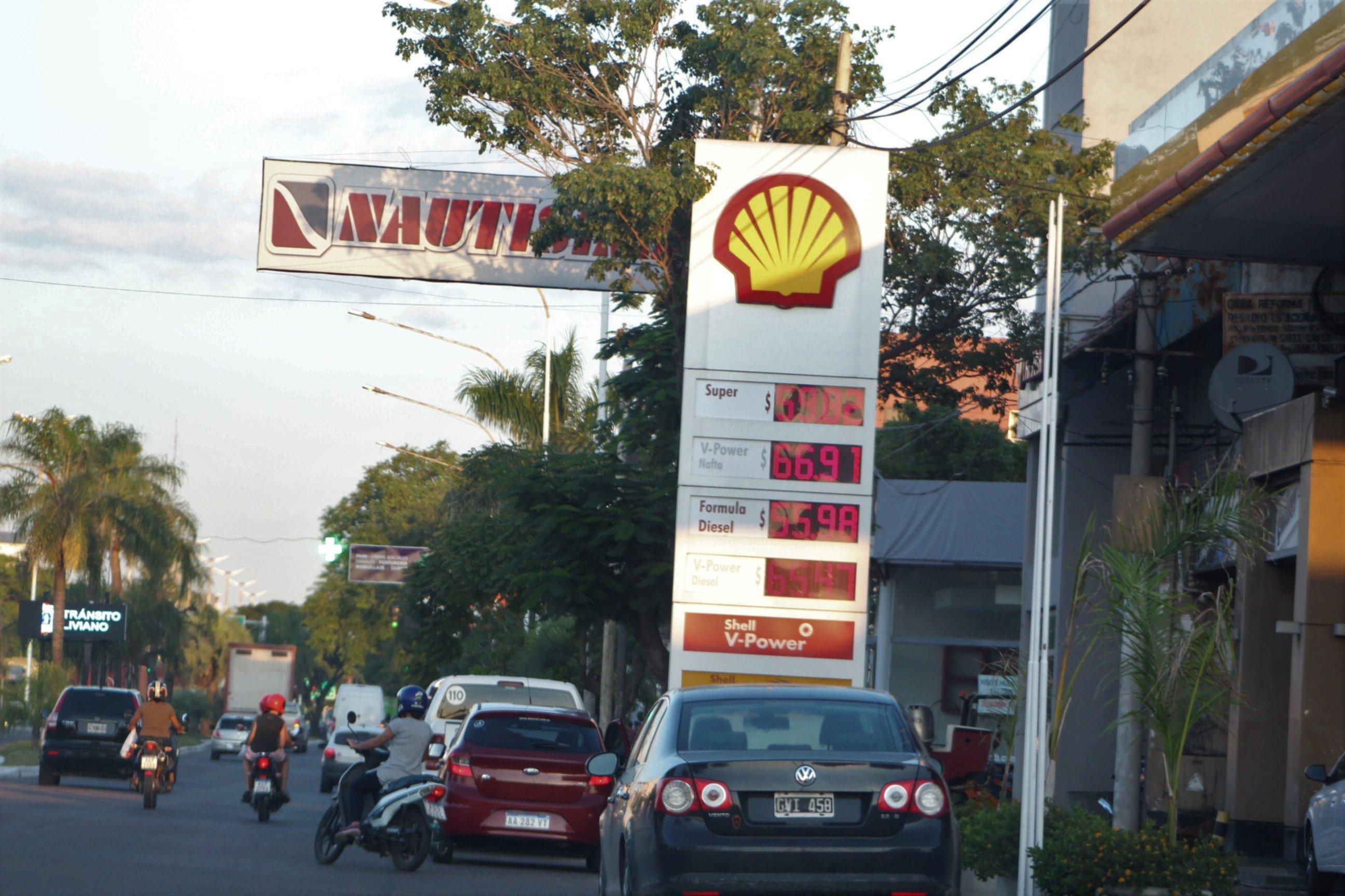 <p>Actualización. Leve suba de precios en las naftas por un impuesto.</p>