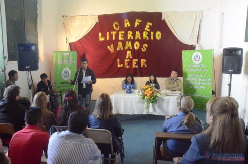 Propuestas. La Dirección de Educación en Contexto de Encierro ofrece habitualmente un café literario.