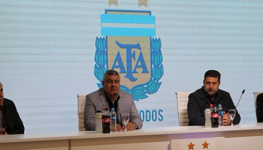 <p>Dirigentes. Tapia y Angelici comandaron la reuni&oacute;n del Comit&eacute; Ejecutivo de AFA.</p>