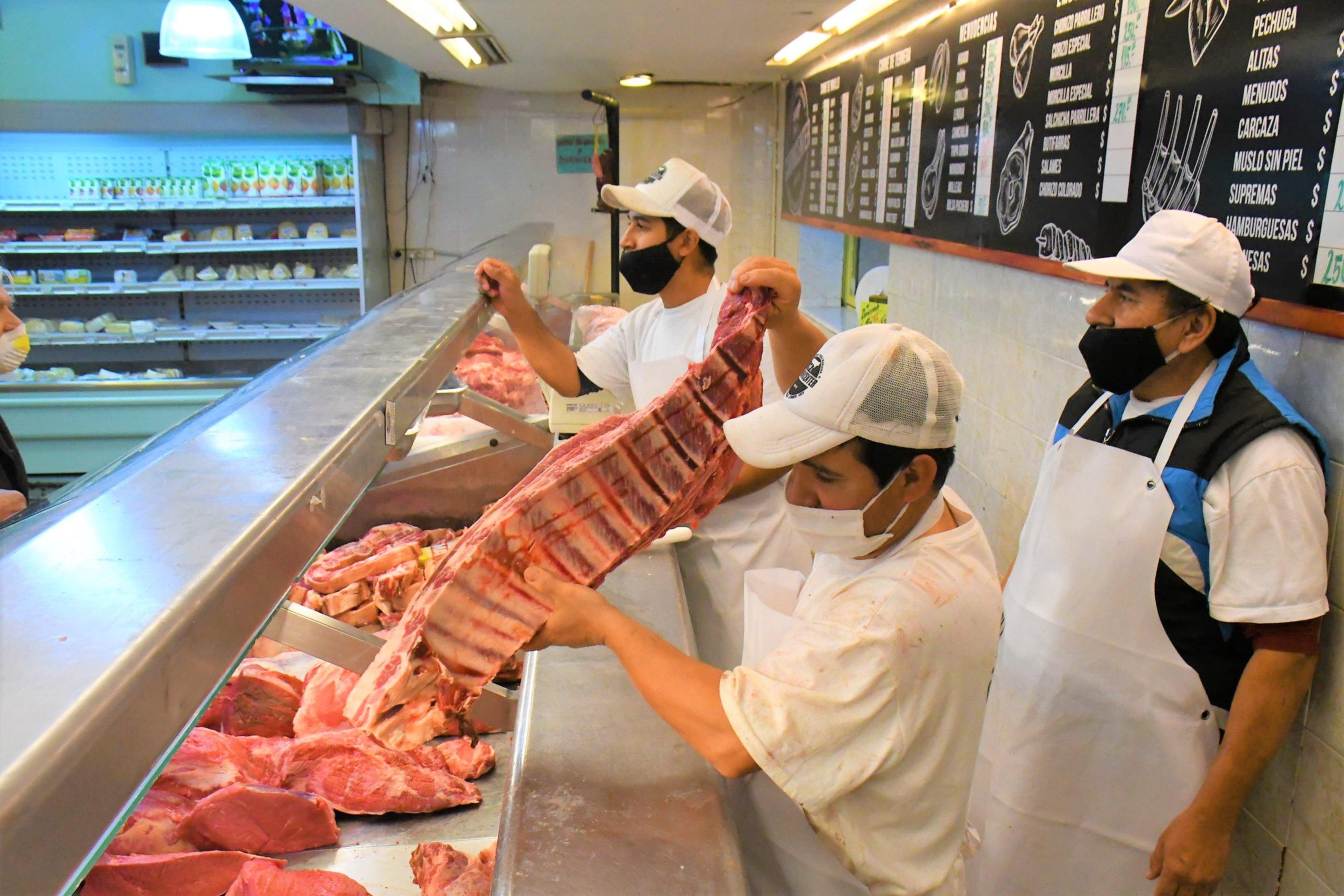 <p>Carnicerías. Buena demanda en estos días y siguen expectantes.</p>