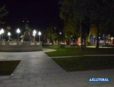 Plaza 25 de mayo de noche
