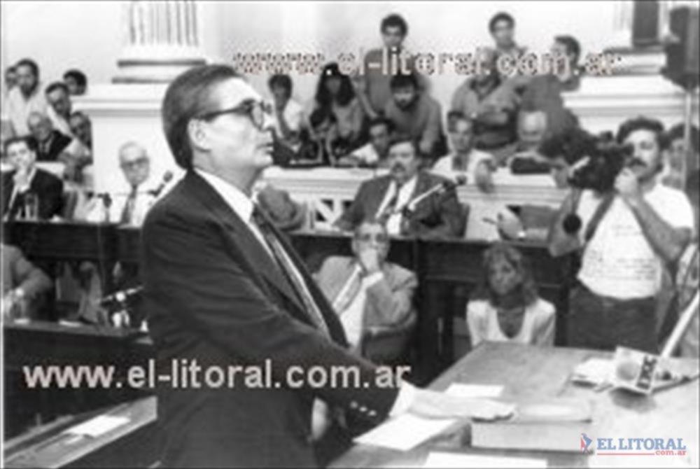 Viernes 15 de enero de 1993, jura Tabaré Bruzzo en la Legislatura que nunca más volvió a pisar.