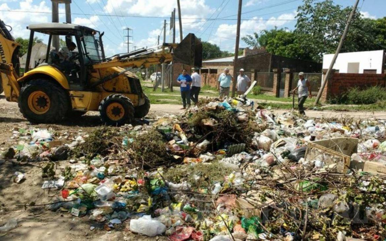 <p>Tareas. Adem&aacute;s de la limpieza, apuntan a concientizar a los vecinos para que no arrojen basura en la calle.</p>