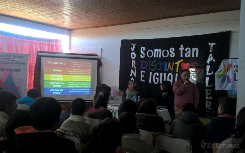 <p>Charlas. Hace unos d&iacute;as dieron una charla sobre g&eacute;nero y ESI en Santa Rosa.</p>