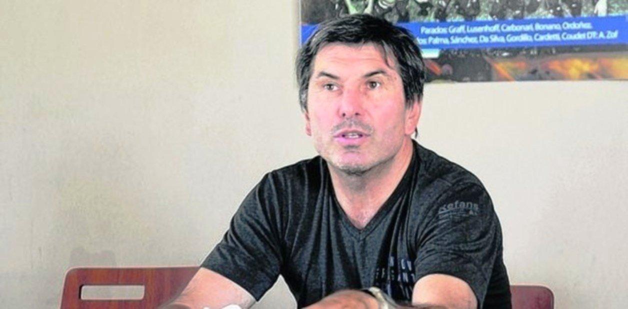 <p>Teglia. El técnico estuvo en Corrientes y recorrió el predio del barrio 17 de Agosto.</p>