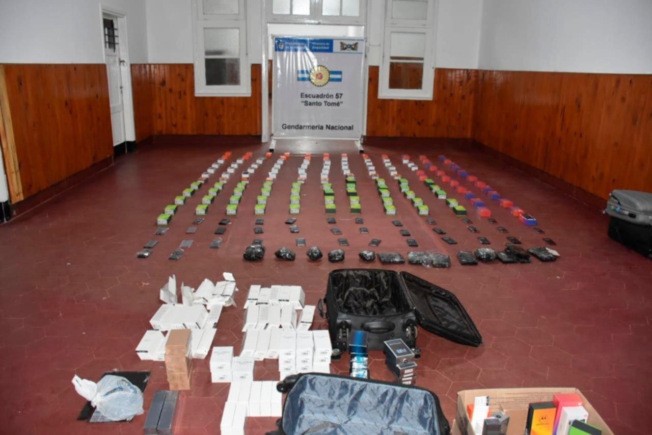 <p>Procedimiento. Los gendarmes hallaron cuatro valijas de gran tamaño donde trasladaban la carga ilegal.</p>