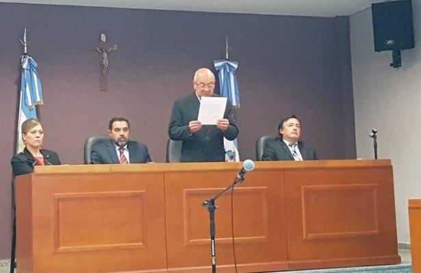 <p>Fallo. El Tribunal Oral Penal de Goya halló penalmente responsable al imputado del delito de homicidio.</p>