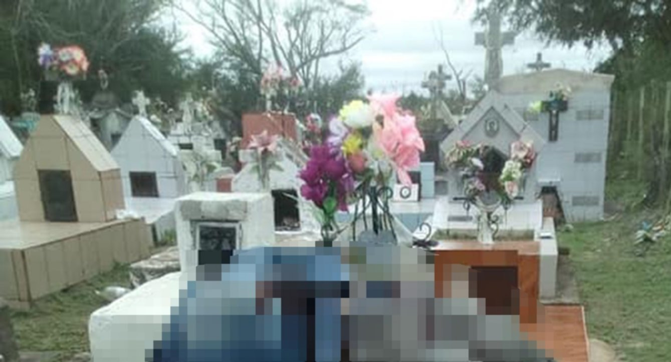 <p>Escenario. El homicida acabó con su vida en el cementerio de Colonia 3 de Abril. Su cuerpo yacía sobre la tumba de su ex exposa. </p>