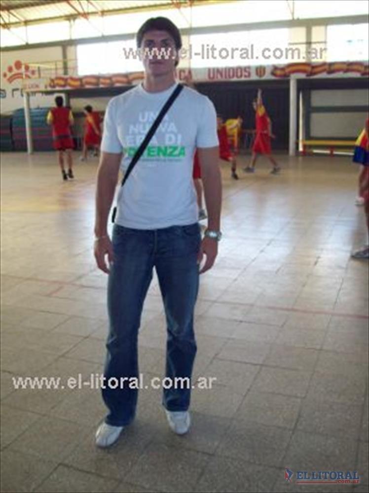 Arturo Rafael Villasanti, en el gimnasio cubierto de Boca Unidos
