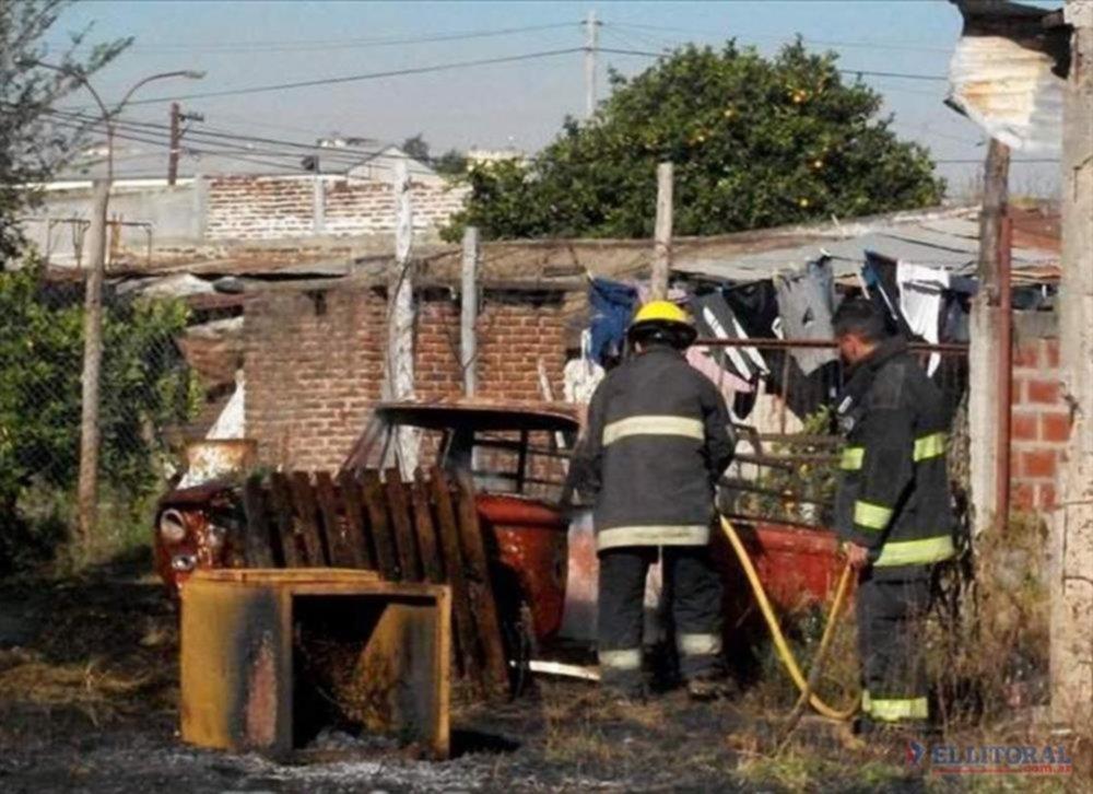 DAÑOS MATERIALES. El fuego fue controlado por bomberos.