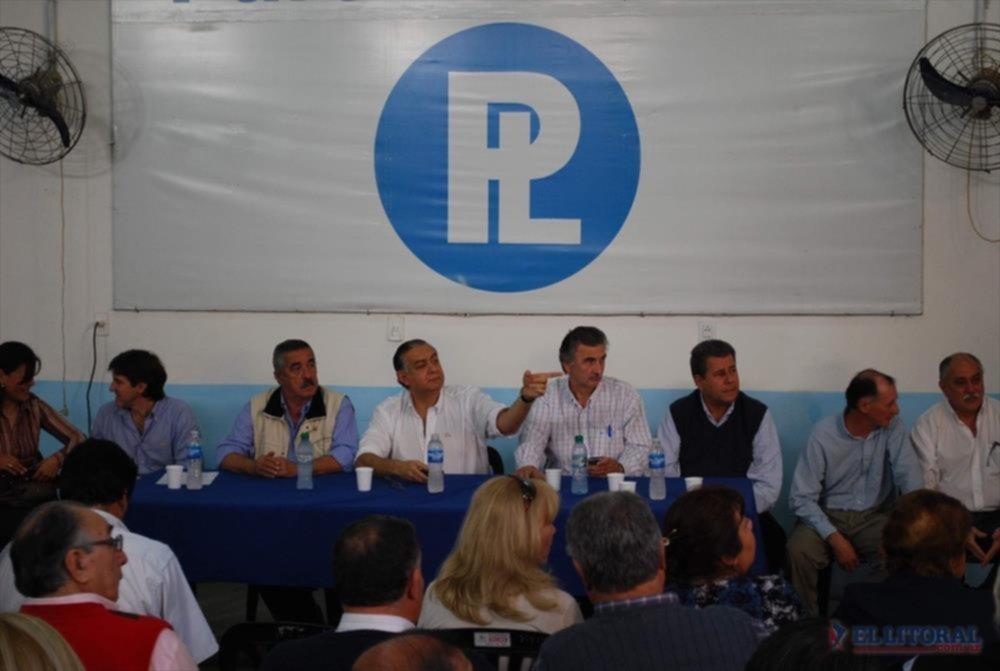 FUERZA Liderados por Pedro Cassani, los liberales autoconvocados mostraron su fuerza el lunes.