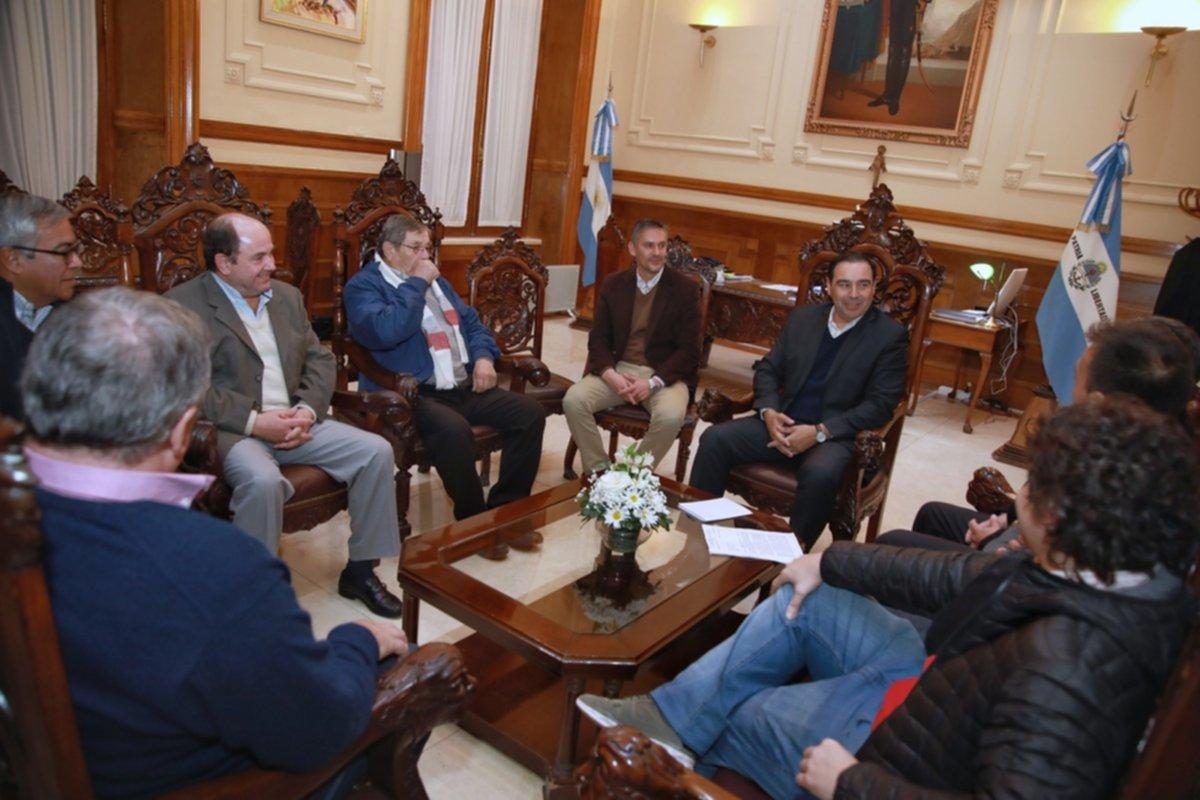<p>C&oacute;nclave con empresarios del transporte. El Gobernador recibi&oacute; ayer a Osvaldo Spessot y Roberto Baez.</p>