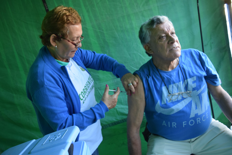 <p>Vacunas. Todavía están a tiempo de vacunarse los grupos de riesgo.</p>