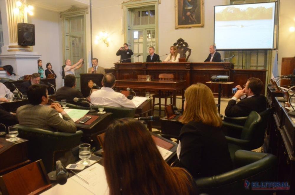 DEBATE. Representantes de Entre Ríos, Santa Fe, Misiones, Formosa, Chaco y Corrientes se reunieron para debatir sobre medio ambiente.