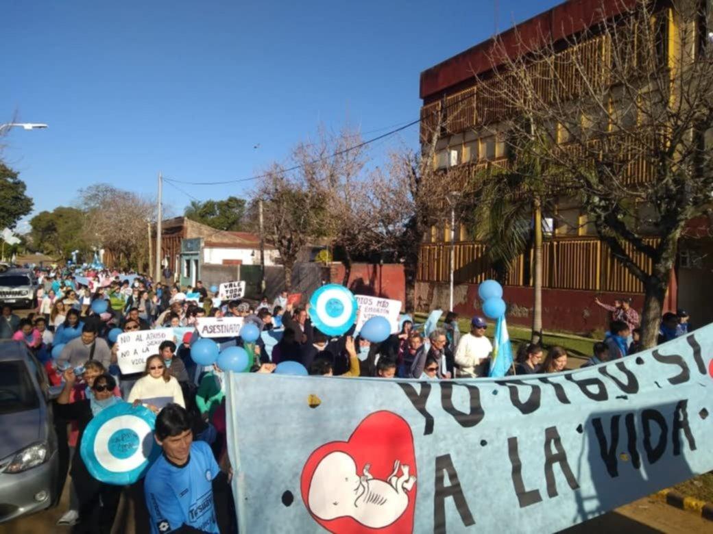"""<p>Juntos. En La Cruz, la marcha que se realizó el último domingo fue organizada por la iglesia Pentecostal """"Nueva Unción"""", la Bautista y la parroquia """"Asunción de María"""".<br /></p>"""