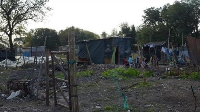 <p>Asentamientos. Se buscan alternativas para brindar soluciones habitacionales a miles de familias correntinas.</p>