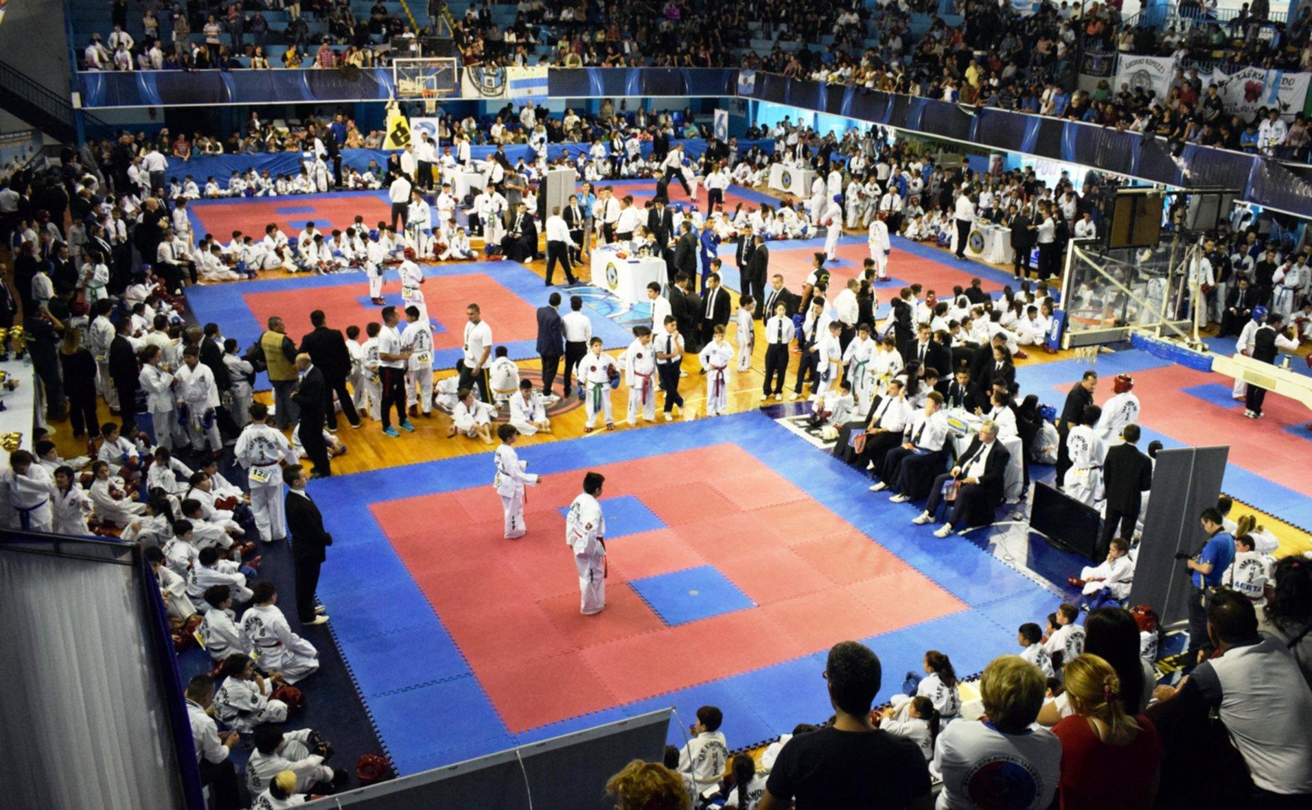 <p>Open Internacional de Taekwondo Unificado. Vendr&aacute;n delegaciones de Uruguay, Paraguay y Brasil.</p>