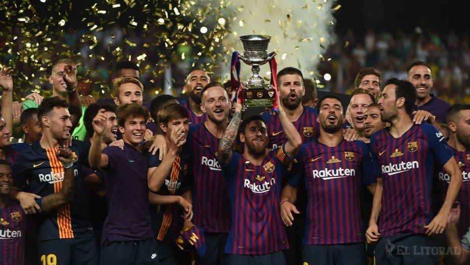 After the World Cup, Messi lifted the Super Cup with Barcelona