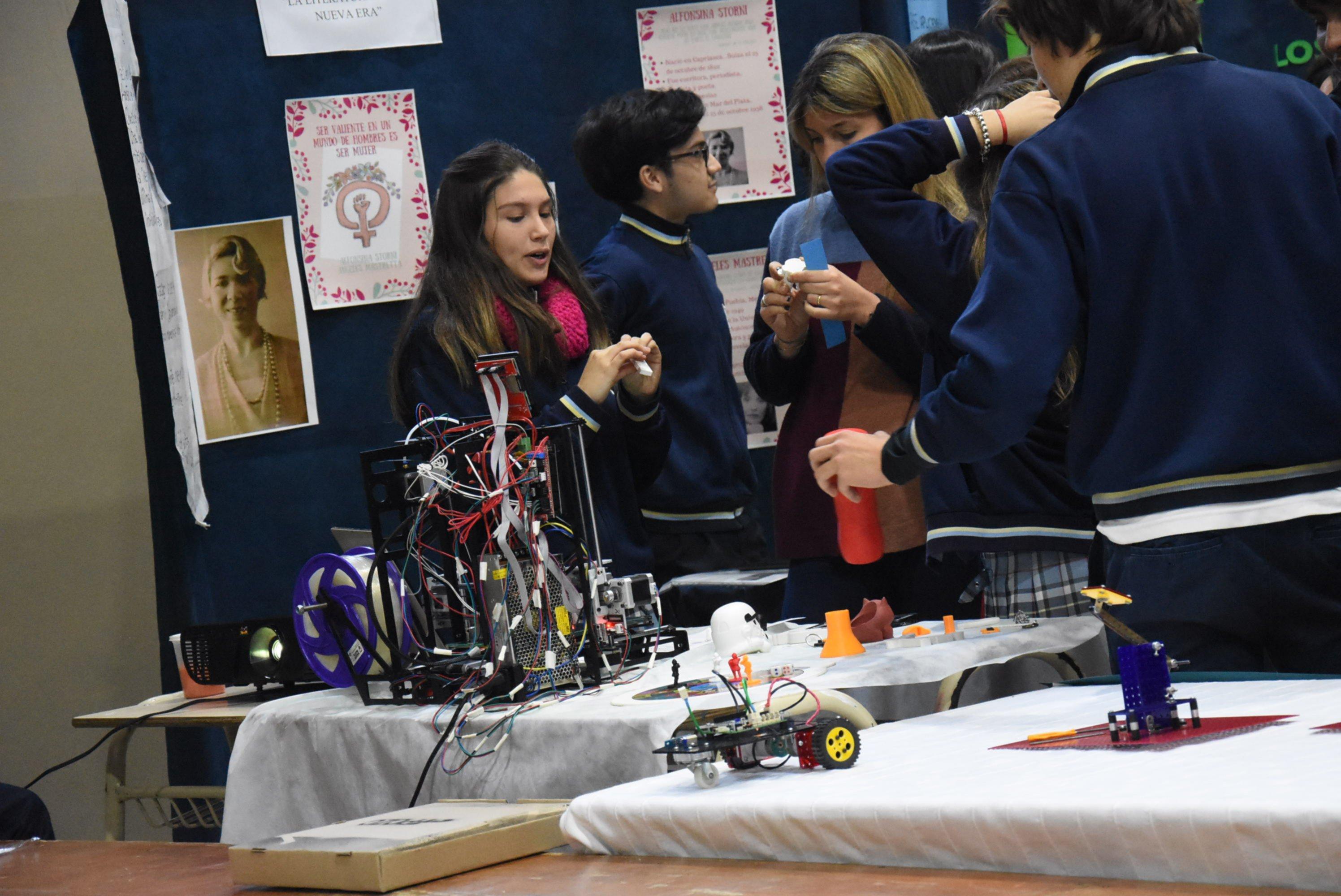 <p>Stands. La robótica y la programación ganan protagonismo en las ferias de ciencia.</p>
