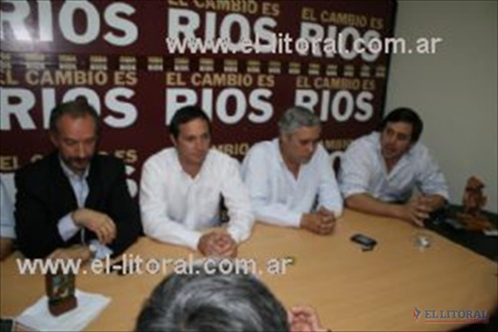Conferencia de prensa: Camau habló de cambiar el prisma desde el que se mira en la Comuna.