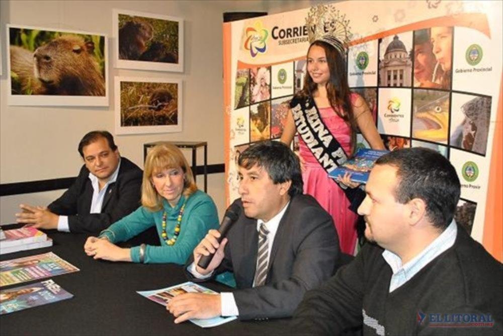 ORGULLO. El intendente José Cheme, junto a Inés Presman, resaltaron la propuesta de la Fiesta sin alcohol.