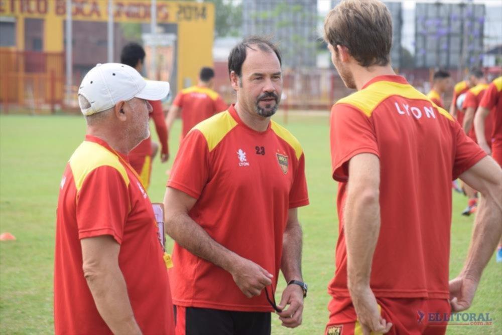 Cambios. Sergio Umpierrez realizó cuatro variantes en el equipo titular.