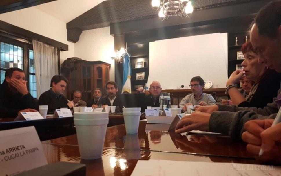 <p>Reunión. Referentes provinciales de Incucai trabajan desde julio en la implementación de la ley.</p>