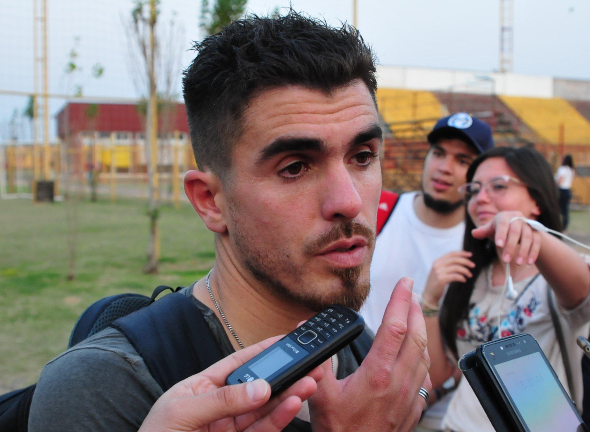 <p>Contrastes. Según Martín Fabro ayer no se jugó bien, aunque sí el martes pasado en Resistencia.</p>