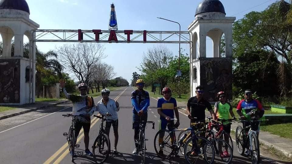<p>Epicentro. Como hace 40 años, Itatí se prepara para recibir a los jóvenes del NEA, algunos de los cuales ya arribaron en bicicleta.</p>
