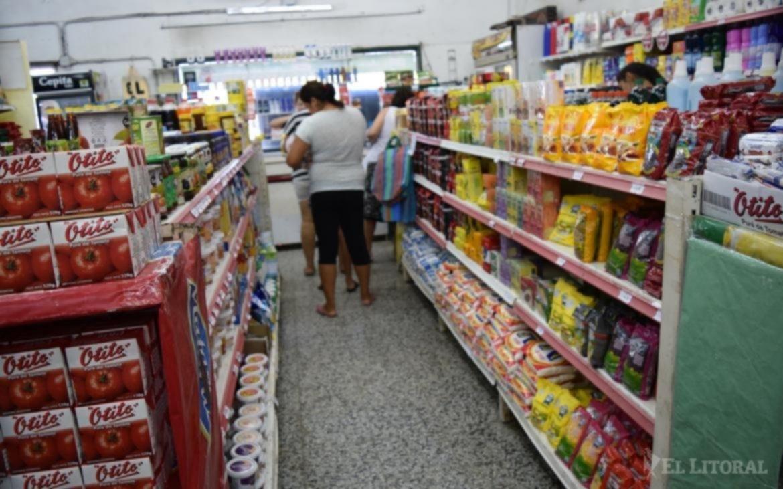 <p>Comercio. La inflaci&oacute;n anual superar&iacute;a el 40% y en septiembre, el 7%.</p>