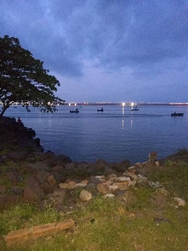 <p>Registro. Unas 48 horas del torneo de pesca de costa con devolución, desde la isla observaban cómo desde varias embarcaciones extraían ejemplares de la zona de reserva.</p>