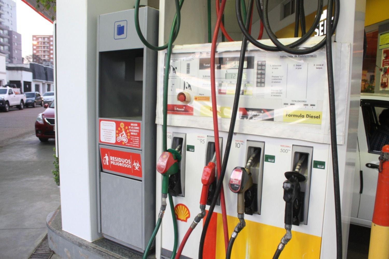 <p>Demoras. Las estaciones de la ciudad reciben las partidas de combustibles con algunos retrasos.</p>