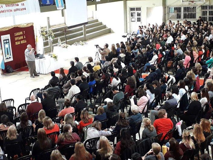 <p>Masivo. Centenares de docentes participaron del evento y de los tutoriales que se brindaron en el marco del Encuentro.</p>