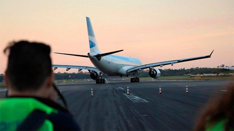 Argentina autorizó los vuelos regulares internacionales - El litoral