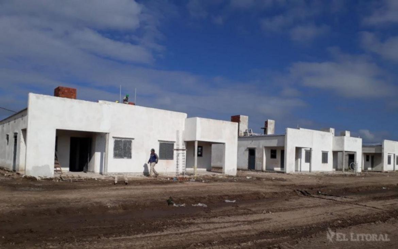 <p>Viviendas. M&aacute;s de 6 mil familias correntinas esperan cumplir el sue&ntilde;o de la casa propia.</p>