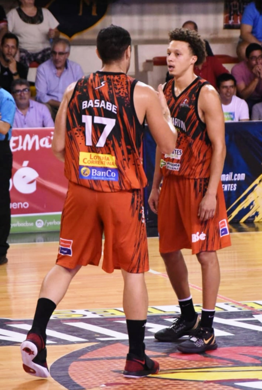 <p>Compañeros. Emiliano Basabe junto con Jon Fuller.</p>