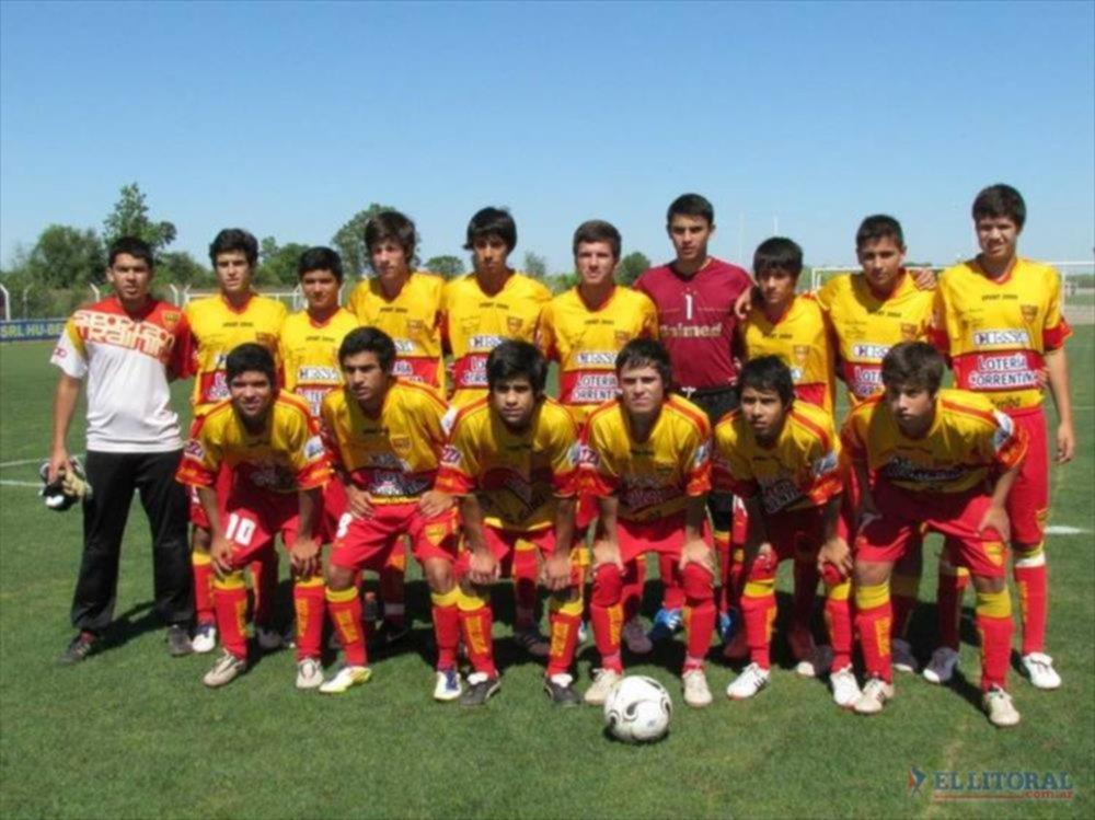 EL FUTURO. Una formación juvenil de Boca Unidos, que en 2013 debutará en las inferiores de AFA.