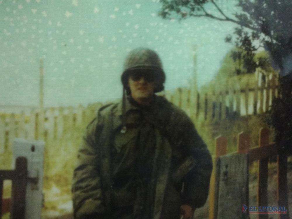 Colimba. Antonio, en sus tiempos de conscripto, camino a la guerra de las Malvinas. GENTILEZA/FAMILIA MILLAN