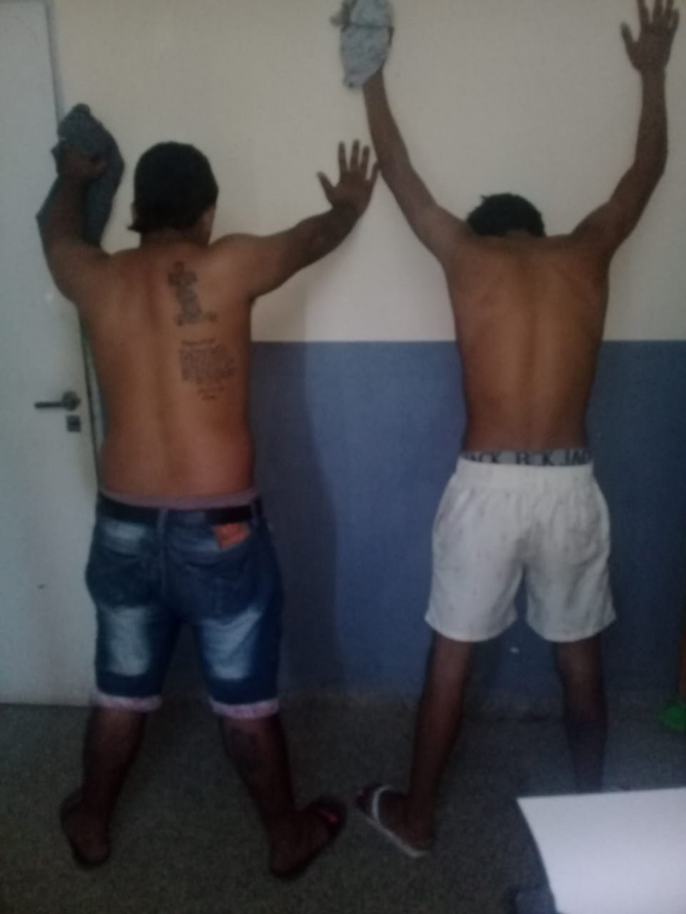 <p>Presos. Los detenidos tras el allanamiento de la Polic&iacute;a.</p>